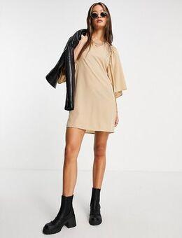 Flutter sleeve dress in beige-Brown