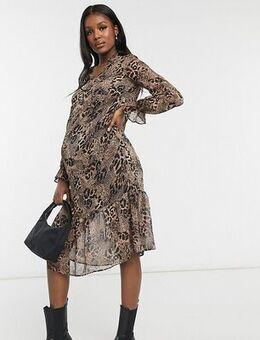 Chiffon midi dress in leopard-Brown