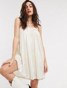 Oversized satin dress in cream-Neutral