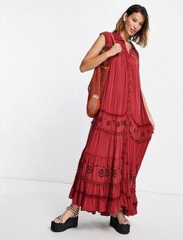 Pretty cozy embroidered maxi dress in brown