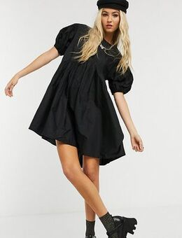 Smock dress in cotton poplin with curved asymmetric seam in black