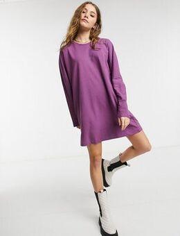 Long sleeve t-shirt dress in purple