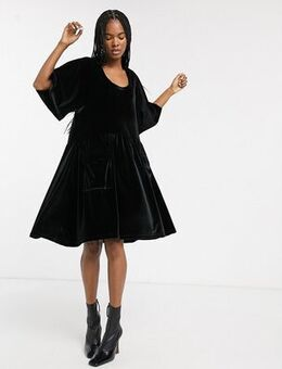 Velvet smock dress with pockets-Black