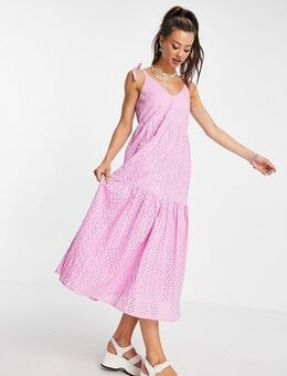 Broderie maxi dress in lilac-Purple