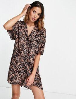 Souvenir linen shirtdress in giraffe print-Multi
