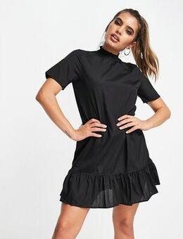 Flowy mini dress in black