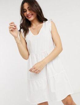 Poplin v neck dress in white