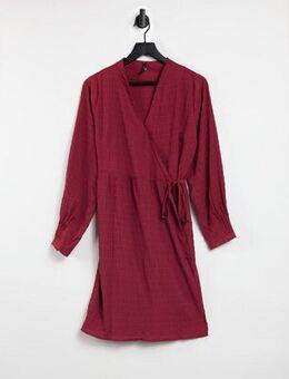 Wrap mini dress in red